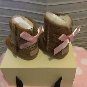 UGG Baby Girls Jesse Bow II Booties